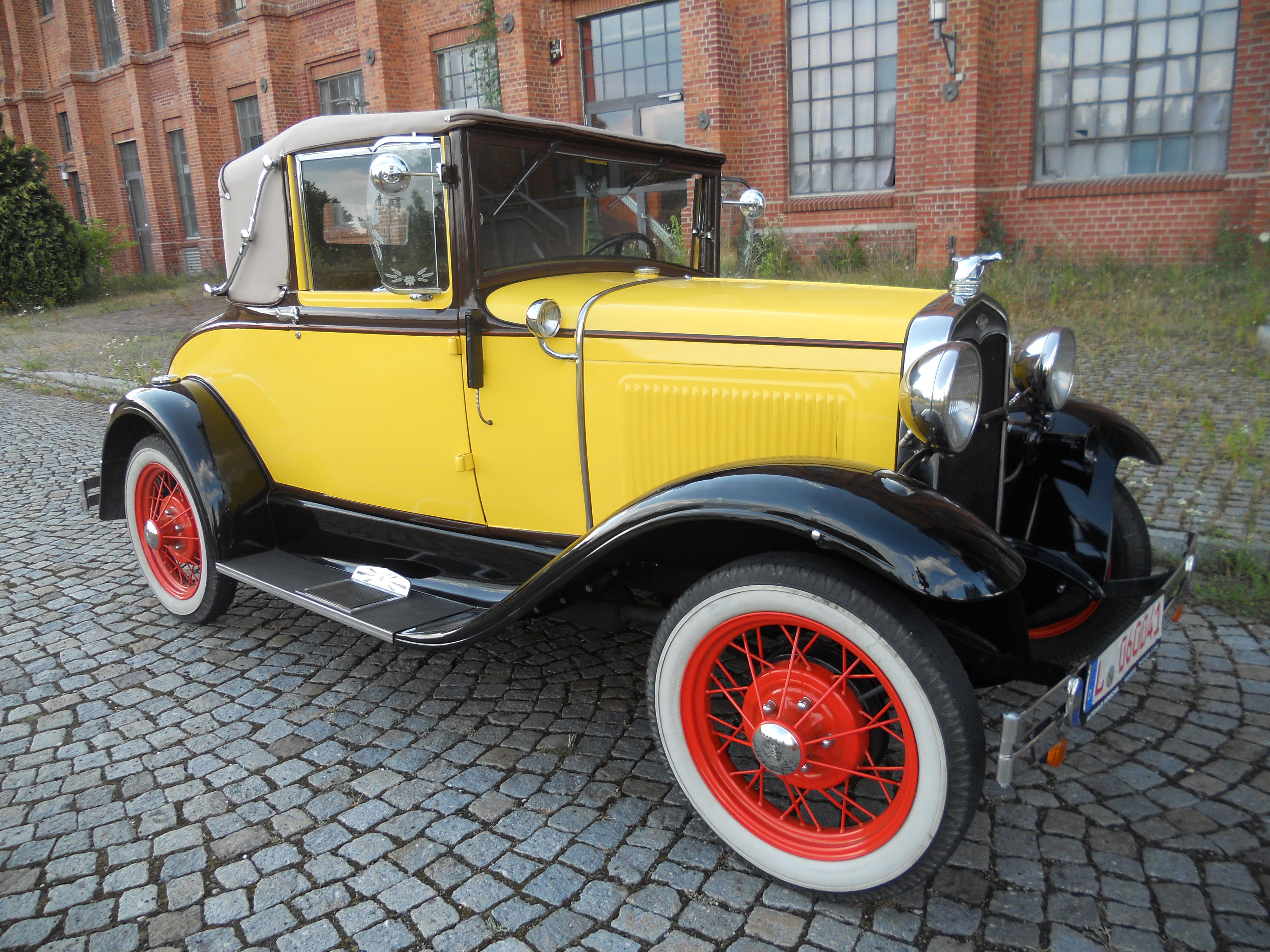 CLASSIC CARS FROHBURG - ford model a